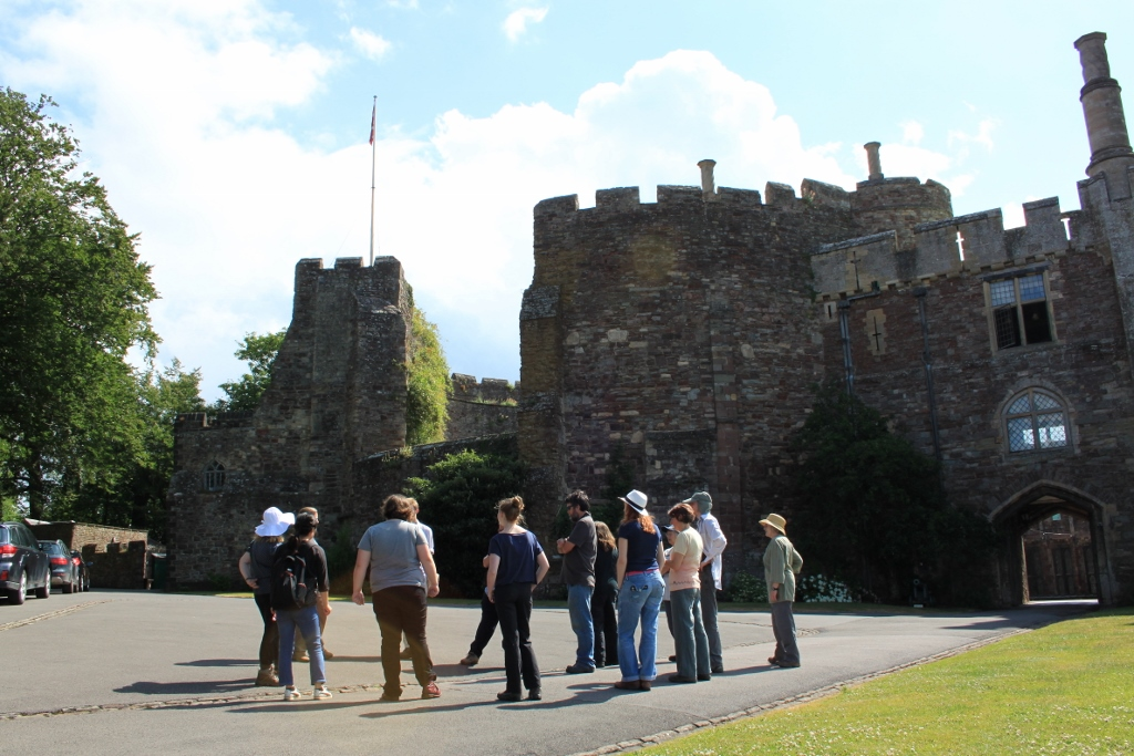 9.30 The students get a tour of the site to understand how the excavations relate to the history of Berkeley Castle